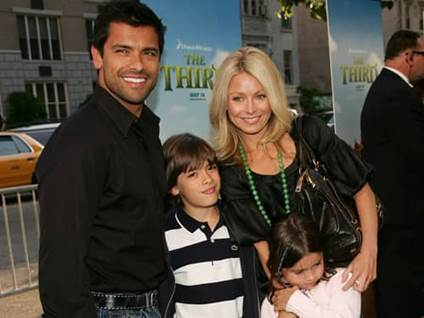 Mark Consulos with wife Kelly Ripa and children Michael and Lola