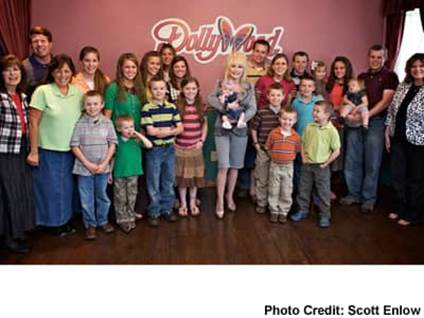 The Duggars at Dollywood with Dolly Parton