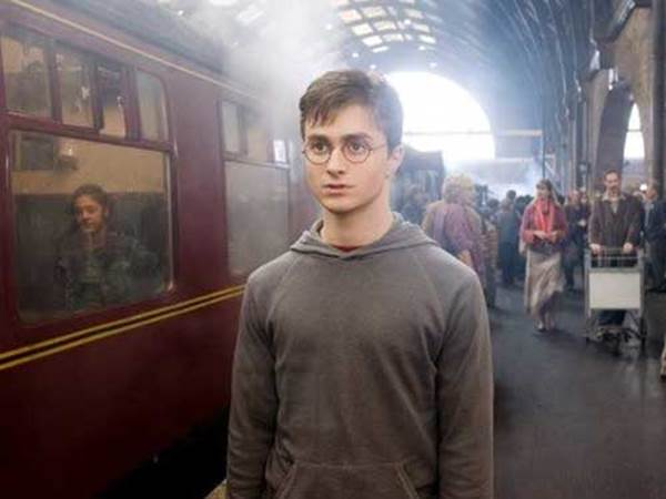 moral lesson on harry potter Harry potter and a love stronger than death posted by  harry potter and the deathly  what was book/movie #6 except a long lesson in coming to see.