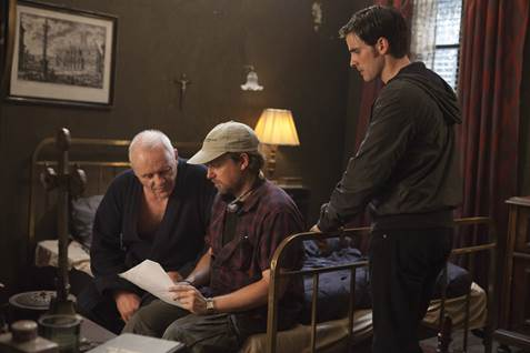 Anthony Hopkins, director Mikael Hafstrom, and Colin O'Donoghue on the set of 'The Rite'