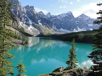20 Most Beautiful Places In The World By Shelby Ballou Moraine Lake Canada Beliefnet