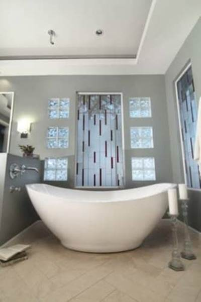 stained bath tub