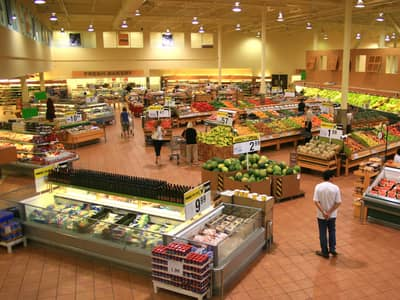 pic of grocery store inside