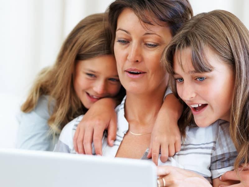 Girls Mom Online