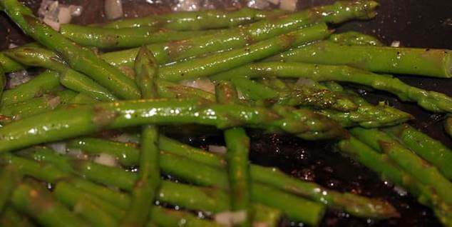 sauteed asperagus, asperagus recipes, delicious side dish recipes