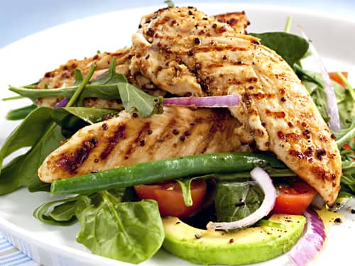 Grilled chicken stringbean tomato red onion avocado salad