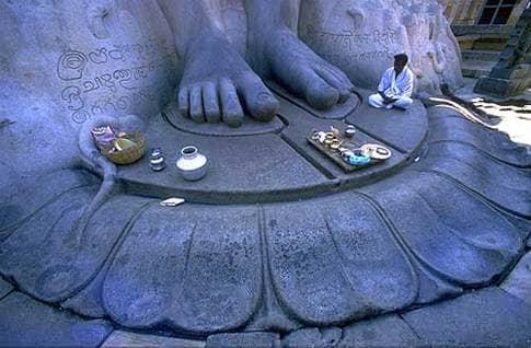 Sri Gomatheswar Statue
