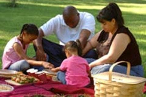 Mealtime_Prayers_Family