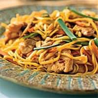 Chicken-Peanut Chow Mein