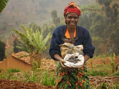African woman with grains